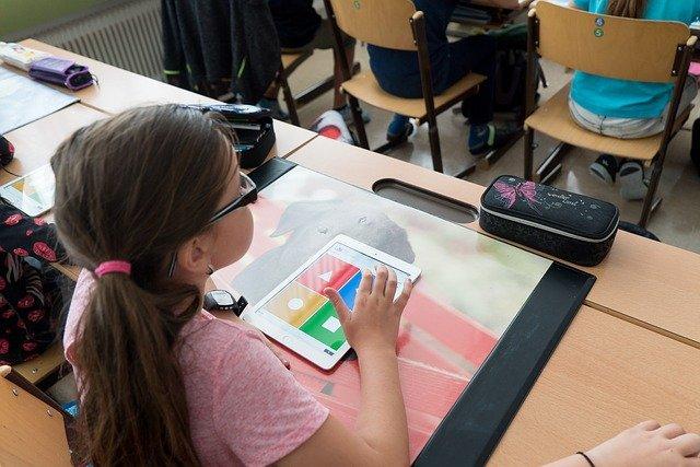 Anfrage vom 01.02.2021: Digitalisierung und der Umgang mit Distanz- und Wechselunterricht an Freudenberger Schulen